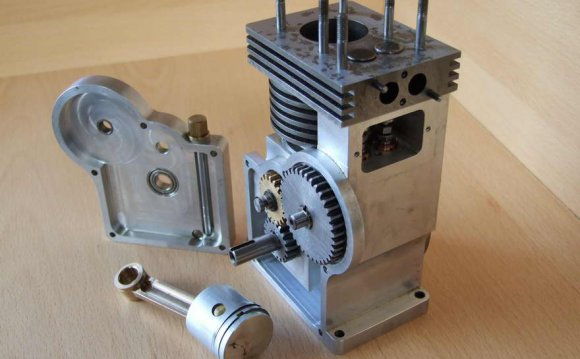 First four stroke engine